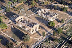 Paestum sotterranea: dall'ingegneria antica ai graffiti dell'800