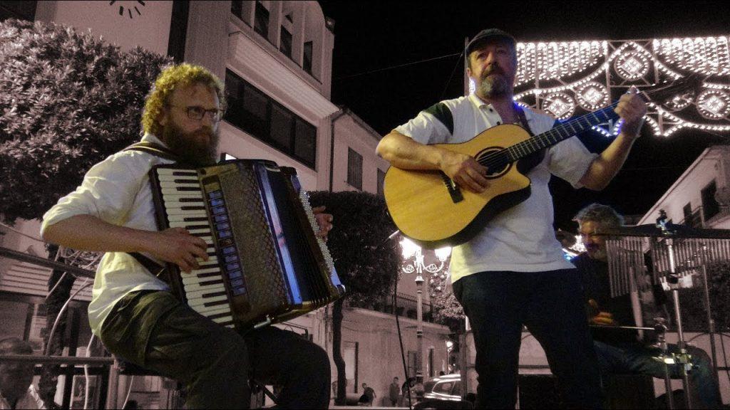 A S. Antuono di Torchiara e' arrivato Angelo Loia… una canzone alla settimana! – video cilentano.it