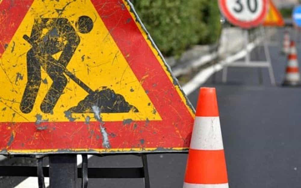 lavori in corso stradali 2 - San Pietro al Tanagro, lavori di pavimentazione sulla SR 426