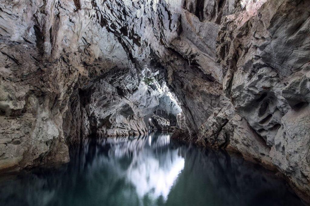 """Grotte di Pertosa e Auletta, un """"app"""" per i non udenti"""