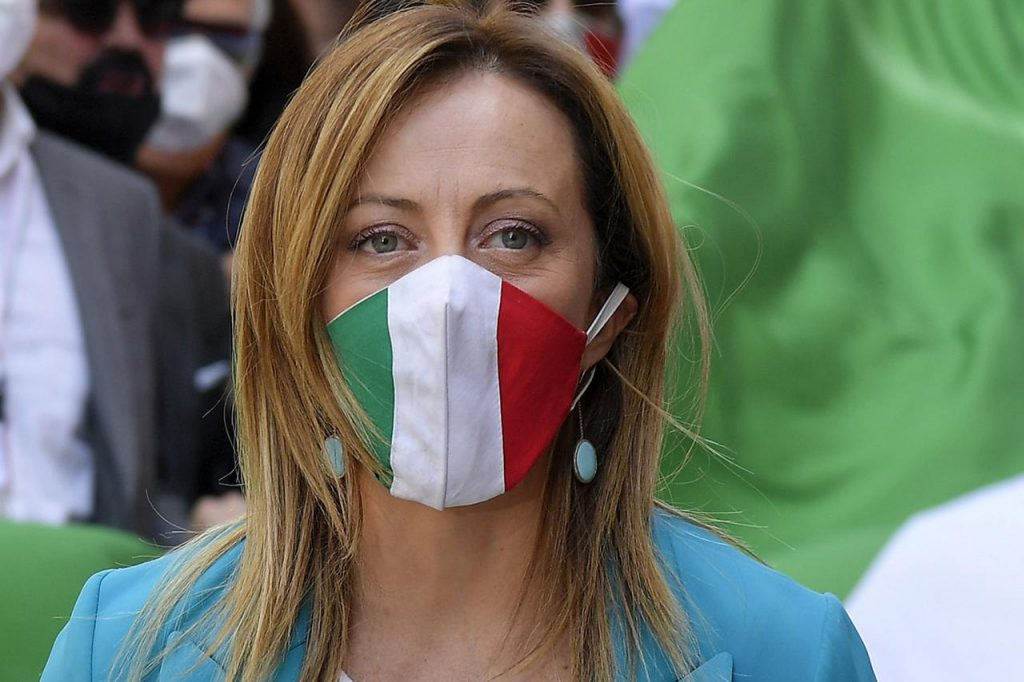 Covid, estate senza mascherine? No da 7 italiani su 10. Sondaggio Emg/Adnkronos