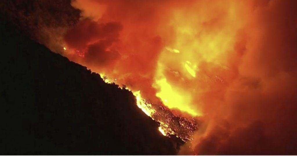 Paura ad Agropoli, domato incendio in localita' Fuonti