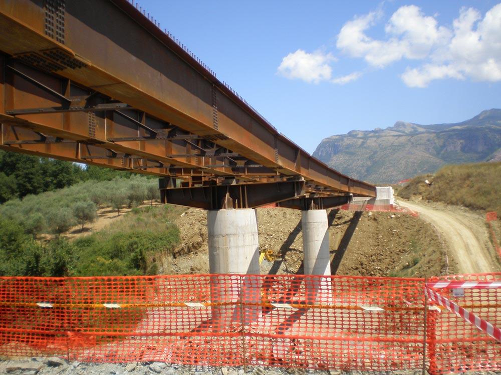344 12 48 40 fondovallecalore8 - Cammarano: Fondovalle Calore entro il mese di giugno sarà completato i primi 3,8 km