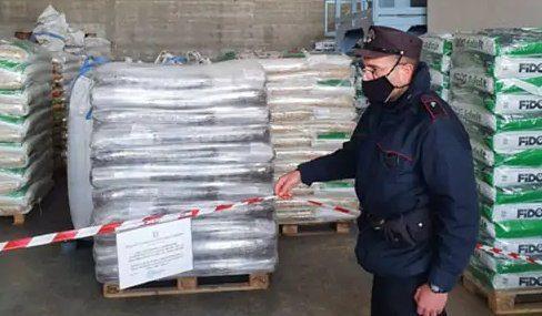 mangimi - Sicignano, sequestro di 36 tonnellate di mangimi