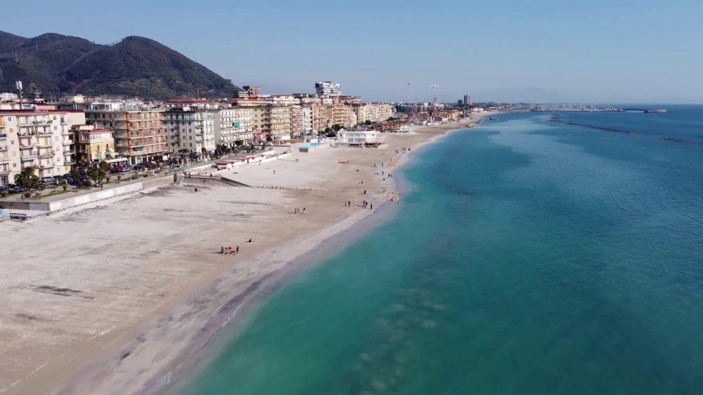 """Coraggio Salerno chiede al Comune di Salerno che le spiagge cittadine siano restituite alla loro natura di """"bene comune"""""""