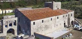 index - Vibonati, scontro tra sindaco e parroco su convento di San Francesco