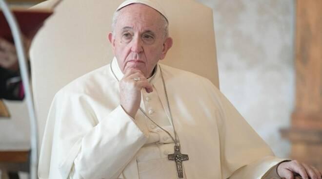 """papa francesco 131066.660x368 - Pasqua, monito del Papa sui vaccini: """"Superare i ritardi"""" - VIDEO VEGLIA PASQUALE"""