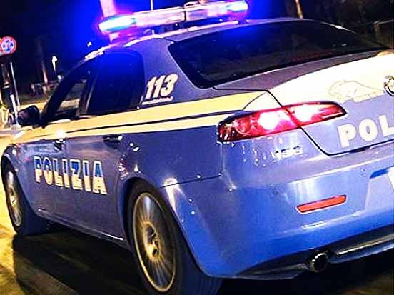 polizia volante notte - Salerno, grave incidente durante la festa dei granata