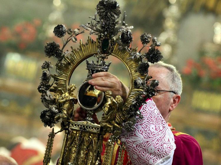 sangennaro fg 0105 - Napoli, miracolo San Gennaro non si ripete