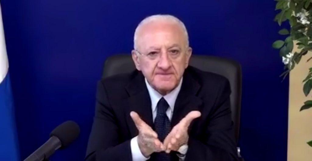 """Il De Luca del venerdi': """"Riaprire tutto per riaprire sempre…"""" – video"""