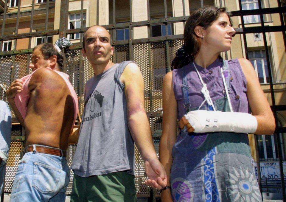 feriti diaz bolzaneto 960x678 - Covid in Italia, 3.558 contagi e 10 morti - situazione in Campania (20/7/21) - perche' bisogna vaccinarsi (non lo sveliamo ora) parleremo di Indimedia (parte uno)
