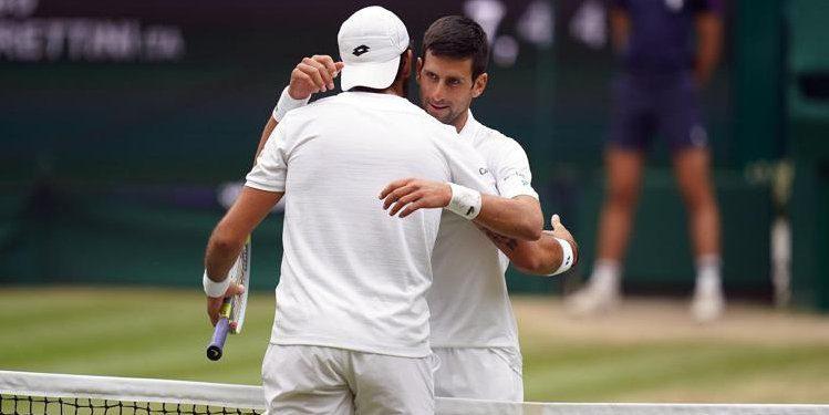 Wimbledon, Djokovic batte Berrettini in finale e trionfa