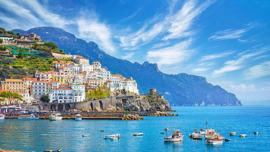 Continuano (fino a fine mese) i collegamenti tra Agropoli e la Costiera Amalfitana